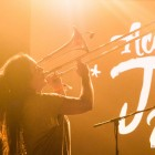 Maria Astallé (Itaca Band) a l'Acampada Jove